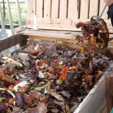 Reliza tu propio compost con Ekaia Eko-Gestión